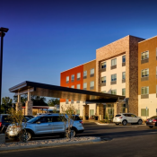 Holiday Inn Express - Claremore